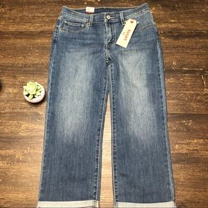 Levi's Capri Midrise  Jeans New with Tags Size 27